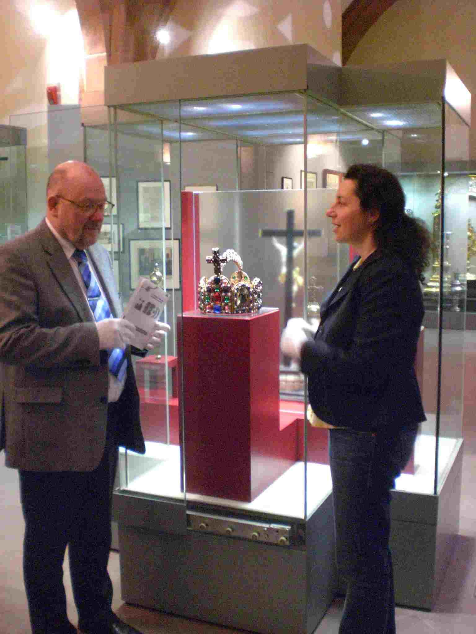 historisches museum frankfurt reichsinsignien