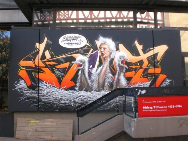 historisches_museum_frankfurt_Vogel_graffiti