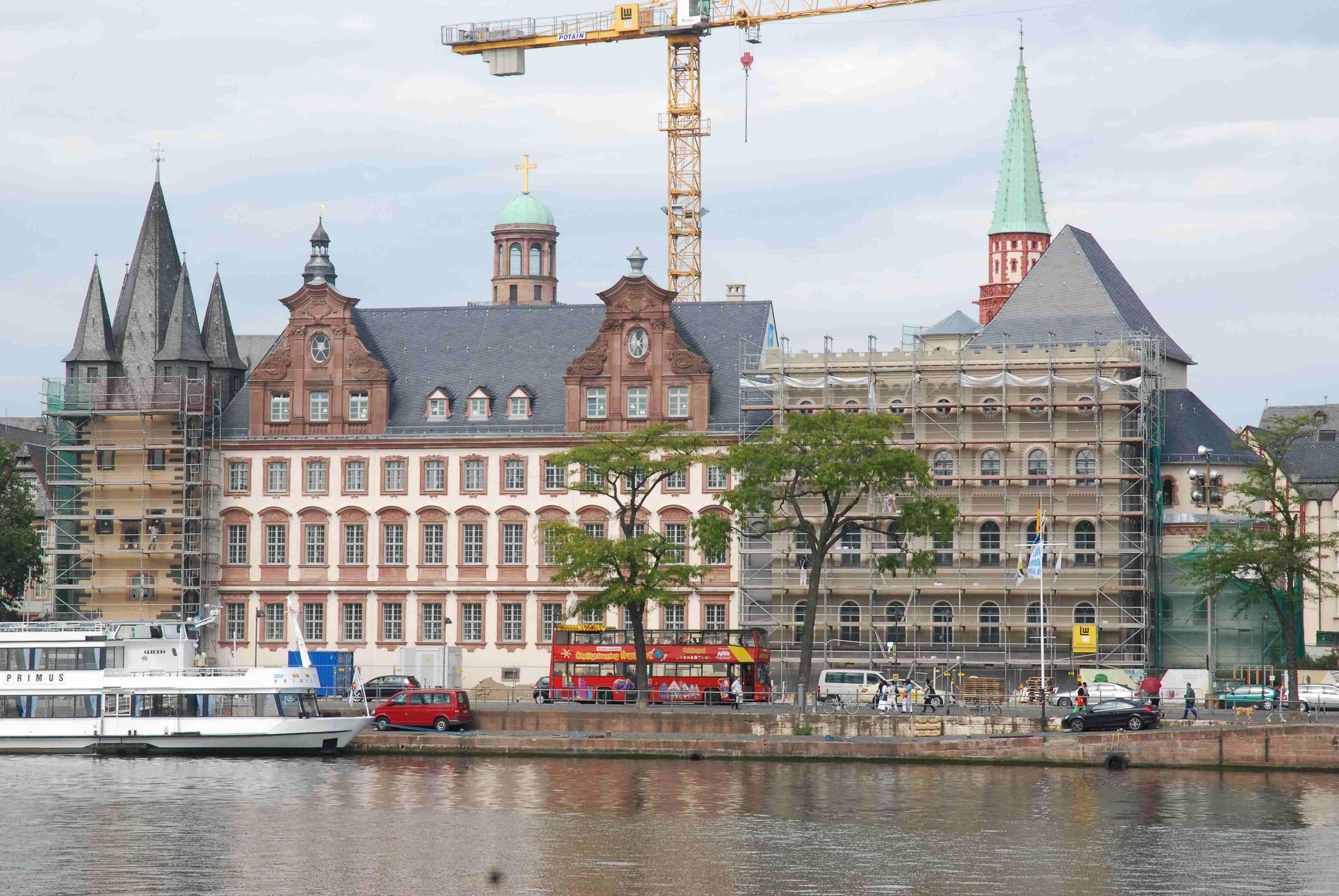 historisches museum frankfurt: Ansicht vom Mainufer