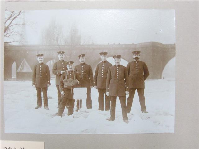 historisches museum frankfurt: Gruppenfoto der Postboten aus der Altstadt