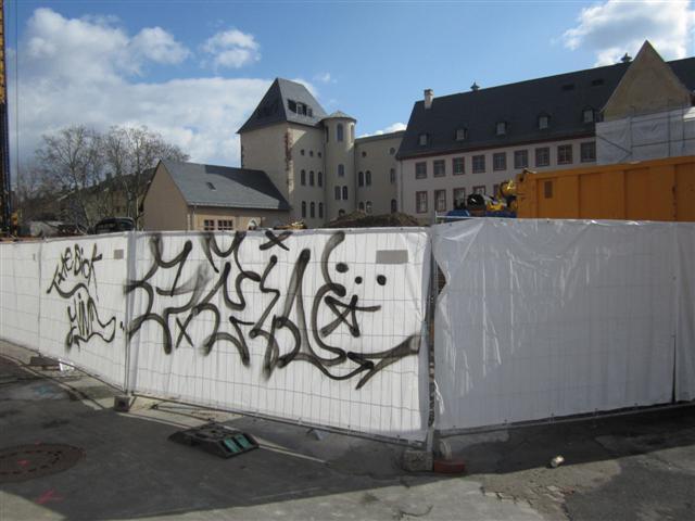 historisches museum frankfurt: geheime Botschaft am Bauzaun?