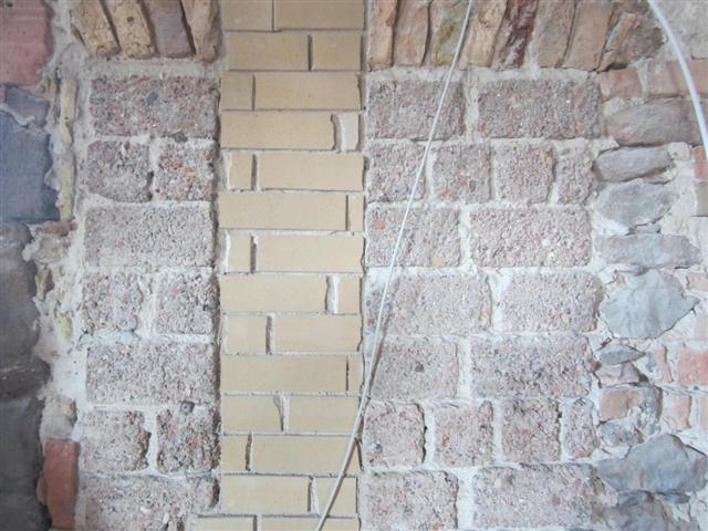 historisches museum frankfurt: Trümmersteine der Altstadt im Rententurm