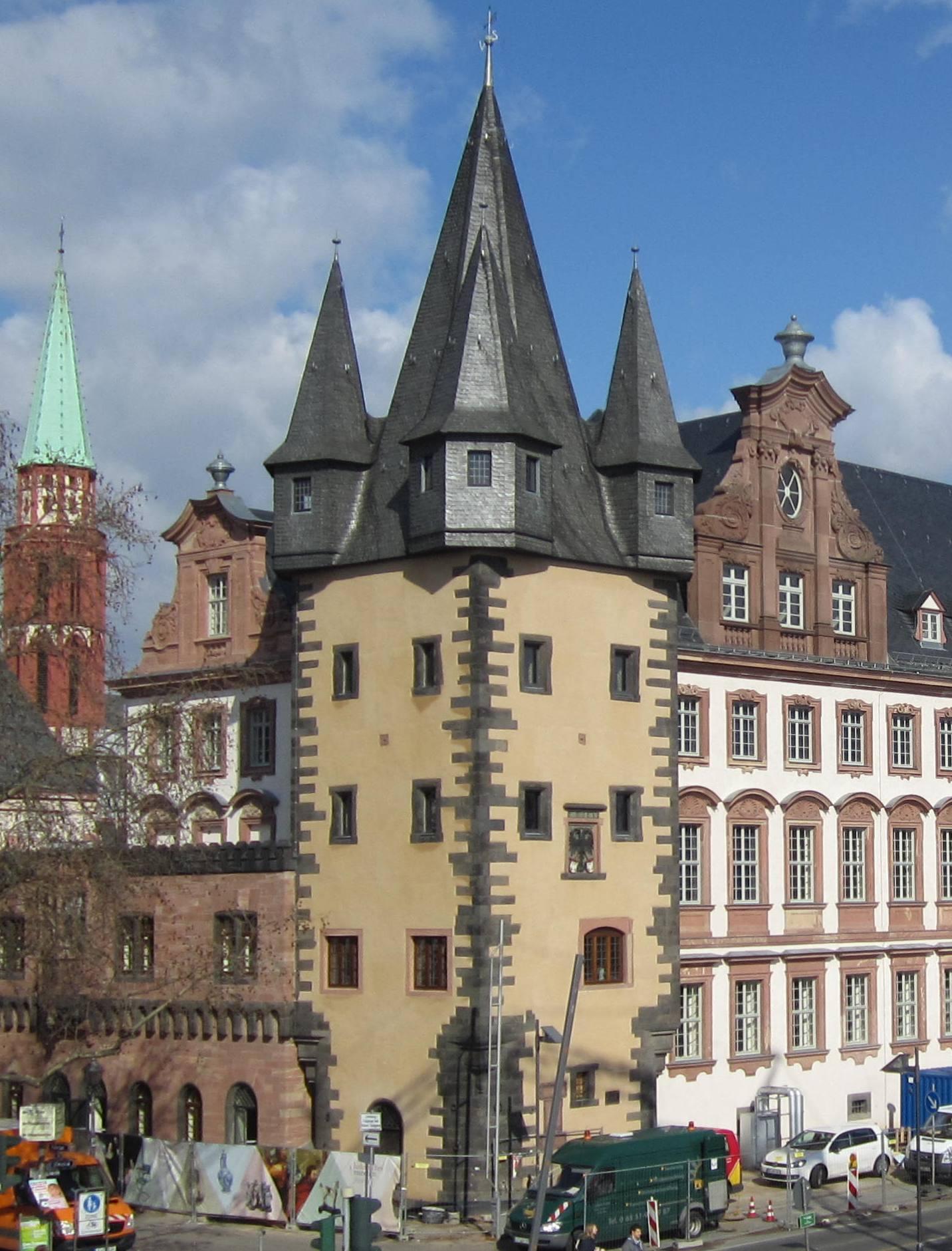 Der Rententurm vom Eisernen Steg aus fotografiert (c) historisches museum frankfurt