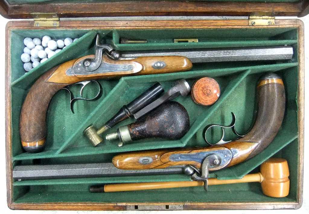 Pistolen mit Zubehör (c) historisches museum frankfurt