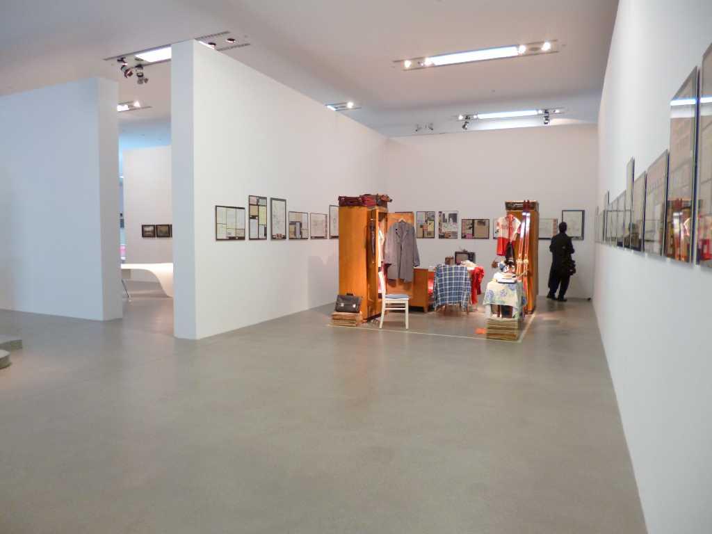 """historisches museum frankfurt: Installation """"Archipel Gastarbeiter"""" im MSU"""