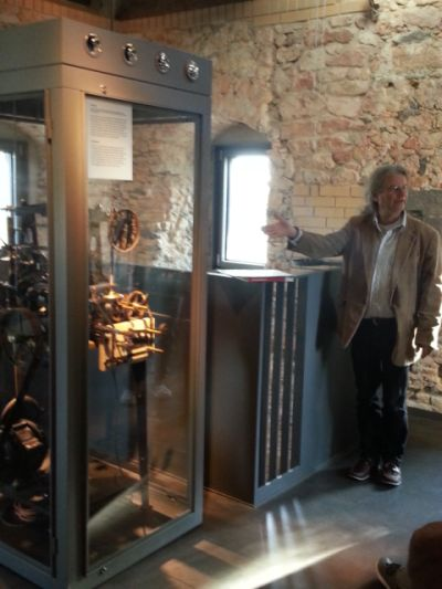 historisches museum frankfurt: Uhrwerk-Führung mit dem Metallrestaurator