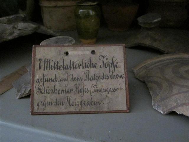 historisches museum frankfurt: Objekte kennzeichnen