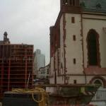 historisches-museum-frankfurt_blick-in-Baugrube_Fenster-Ausstellungsbau