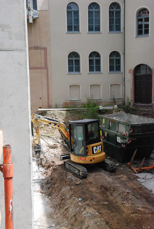 historisches museum frankfurt: Abbruch der Bohrpfahlwand