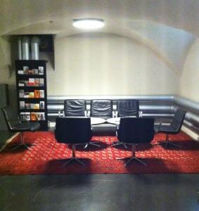 historisches museum frankfurt: Lese-Lounge im Bernusgewölbe