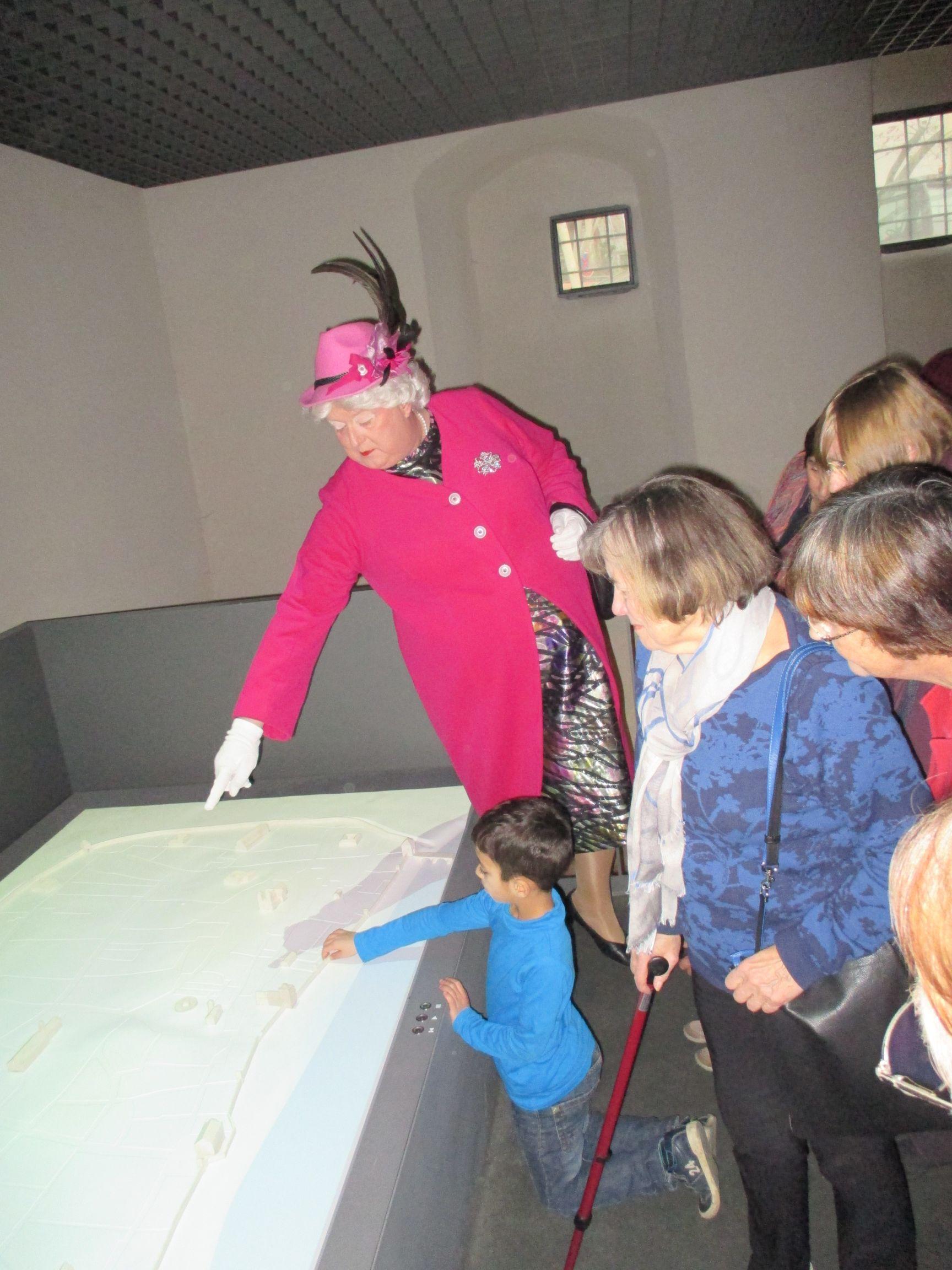 historisches museum frankfurt: mit Bäppi durchs Museum