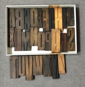 historisches museum frankfurt: Holzlettern für Frankfurt Einst?