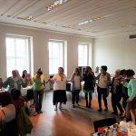 historisches museum frankfurt: Tee trinken in der Bibliothek der Alten