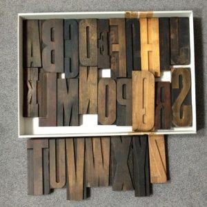 historisches museum frankfurt: Buchstaben