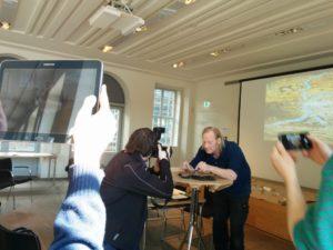 historisches museum frankfurt: auf allen Kanaelen ballern