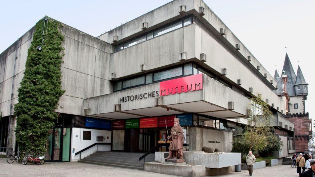 historisches museum frankfurt: der Betonbau vor dem Abriss, 2009