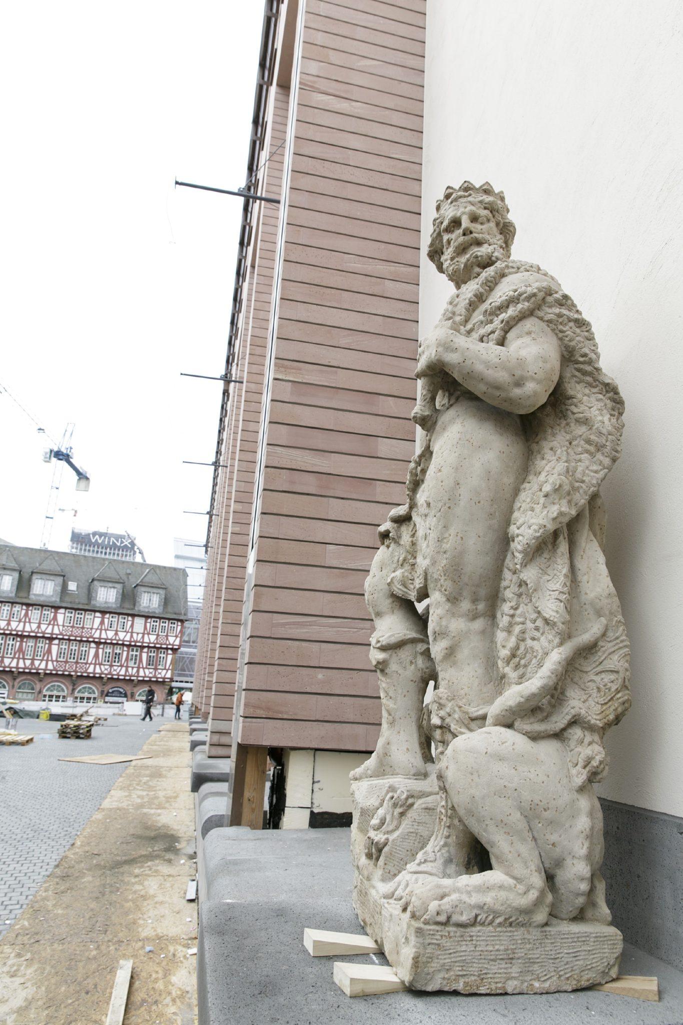 historisches museum frankfurt: Pluto Gott der Hölle. Die Skulpturengalerie-März-2017-©-HMF/S. Koesling
