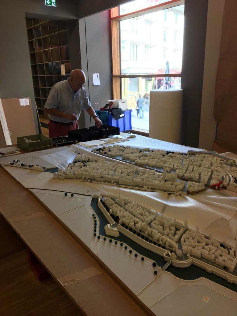 historisches museum frankfurt: das 3-D-Modell wird feinjustiert