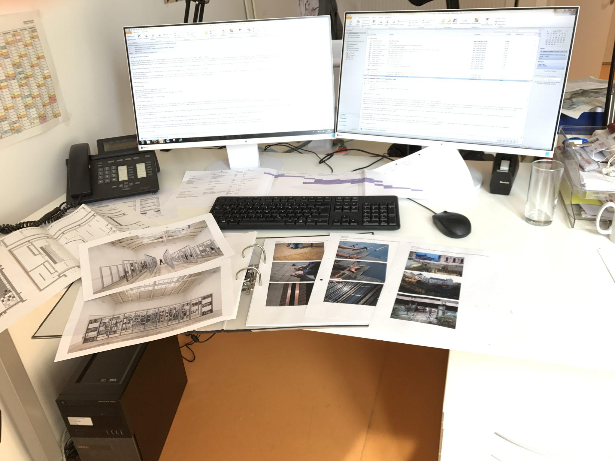 Gute Planung ist alles!- Blick auf Schreibtisch