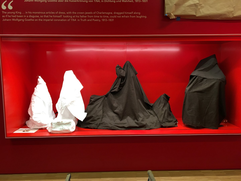 Historisches Museum Frankfurt: Frankfurt Einst? - Hier drunter versteckt sich das Rathaussilber