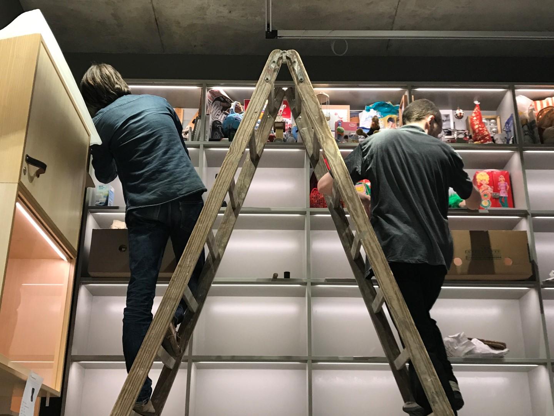 Historisches Museum Frankfurt: Frankfurt Einst? Karsten Bott richtet seine Installation im Studierzimmer ein
