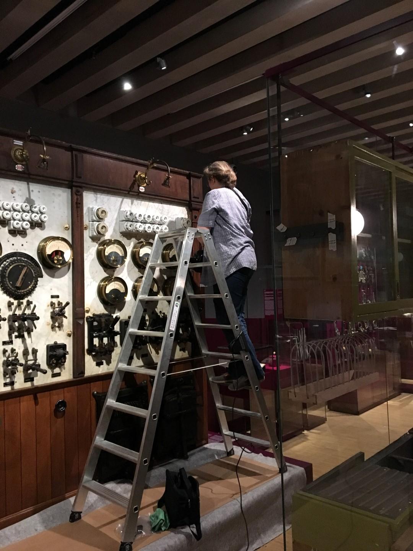 Historisches Museum Frankfurt: Frankfurt Einst? - die Schalttafel wird herausgeputzt