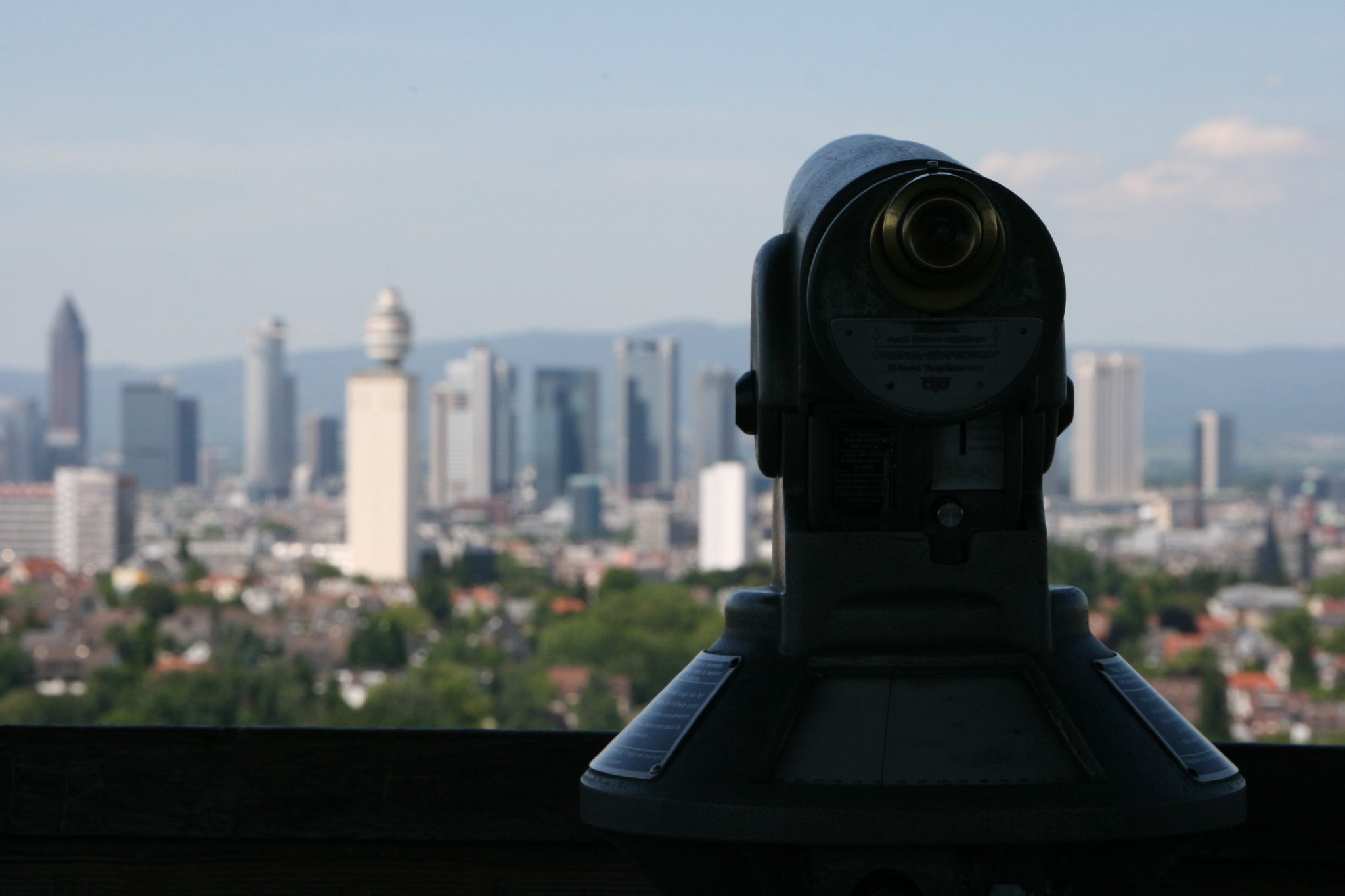 historisches museum frankfur: das Fernrohr auf dem Goetheturm,