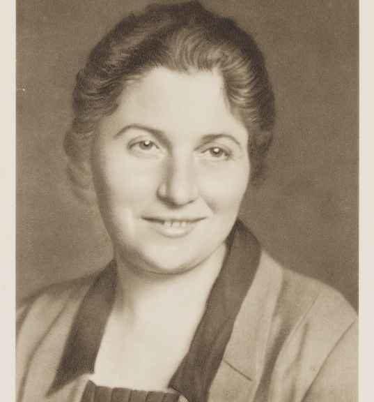 Porträt von Hertha Riese