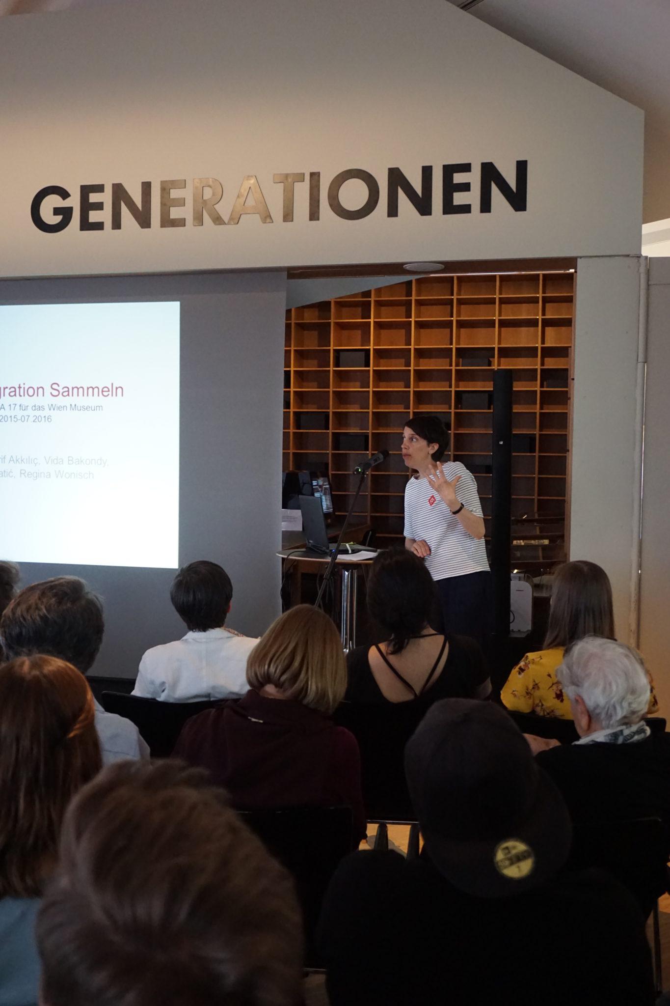 Historisches Museum Frankfurt Vortrag von Dr. Vida Bacondy bei der Präsentation der Projektdokumentation Sammlungs-Check: Migration partizipativ sammeln