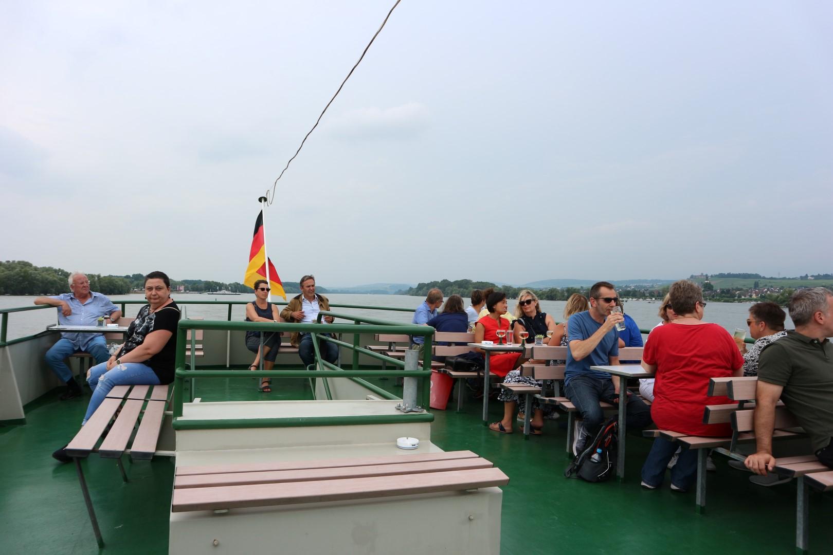 Menschen auf Schiff