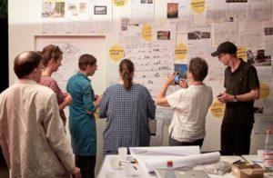Gestaltungs-Workshop im ehemaligen Unterrichtspavillon des Architekten Eugen Kaufmann im Bretanopark Fotos© HMF, JENS GERBER