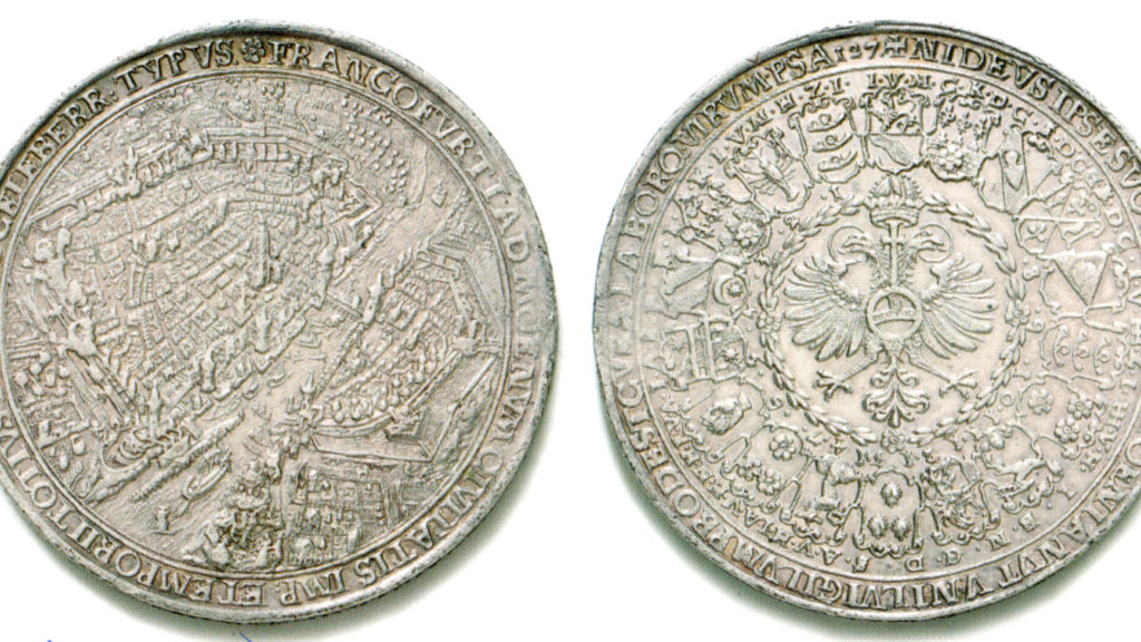 Münze mit einer Ansicht von Frankfurt, Vorder- und Rückseite