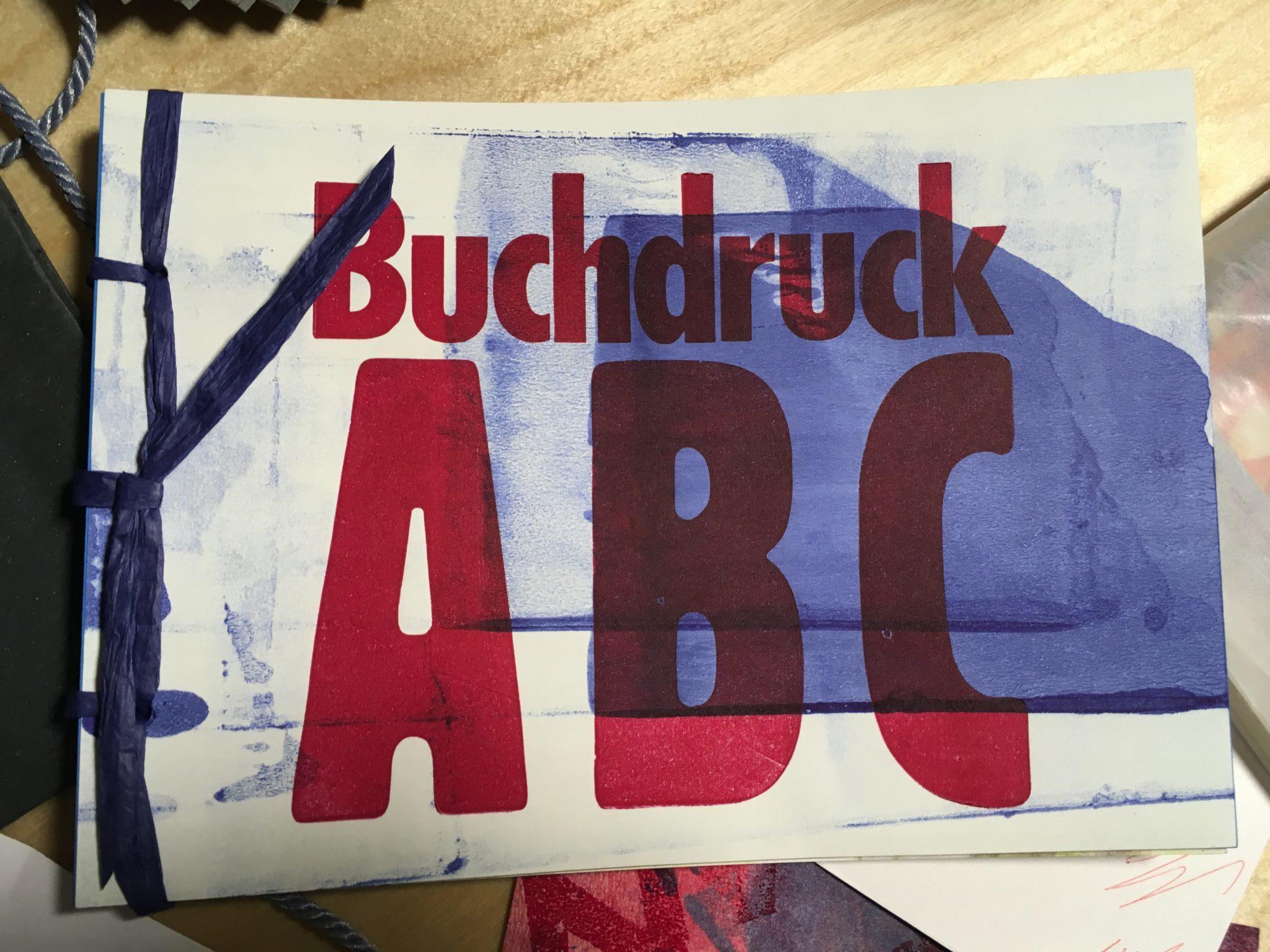 Blick auf ein geschenk: Buchdruck ABC