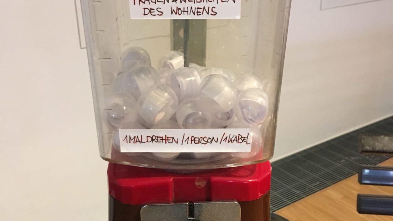Bild mit Kaugummiautomat