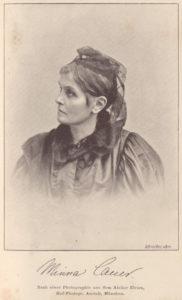 schwarz weiß Porträt einer Frau