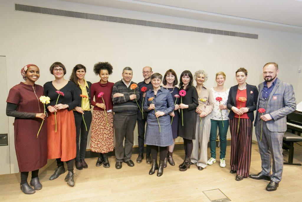 Gruppenfoto der Stadtlaborant*innen und Museumskurator*innen.